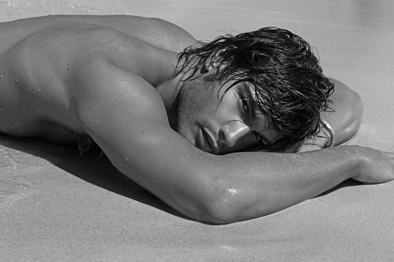 matteo capicchioni by Juan martin 004 Matteo Capicchioni hits the beach with Juan Martin