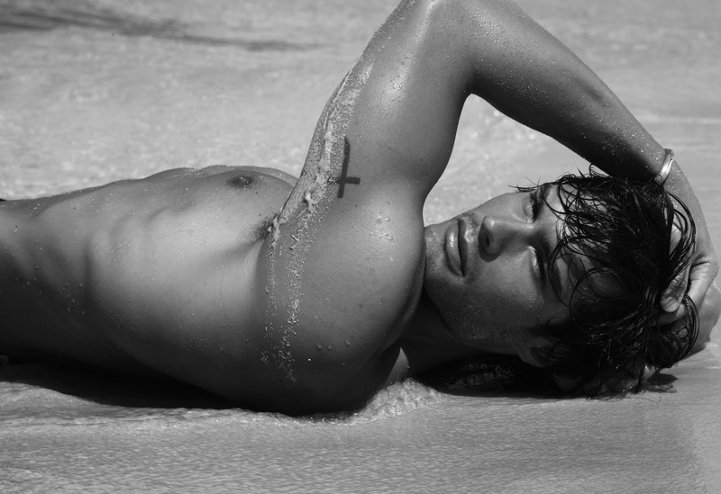 matteo capicchioni by Juan martin 005 Matteo Capicchioni hits the beach with Juan Martin