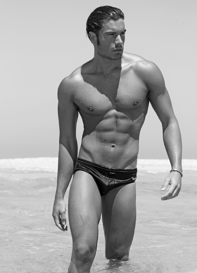 matteo capicchioni by Juan martin 007 Matteo Capicchioni hits the beach with Juan Martin