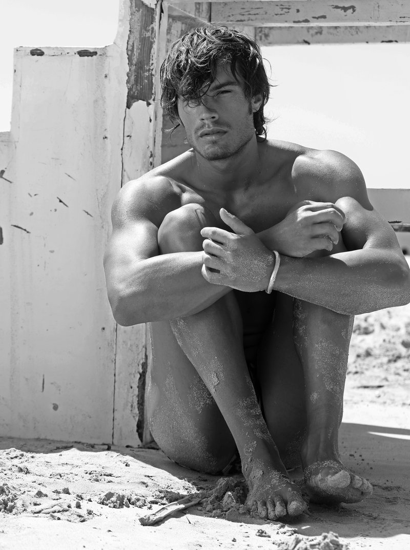 matteo capicchioni by Juan martin 010 Matteo Capicchioni hits the beach with Juan Martin