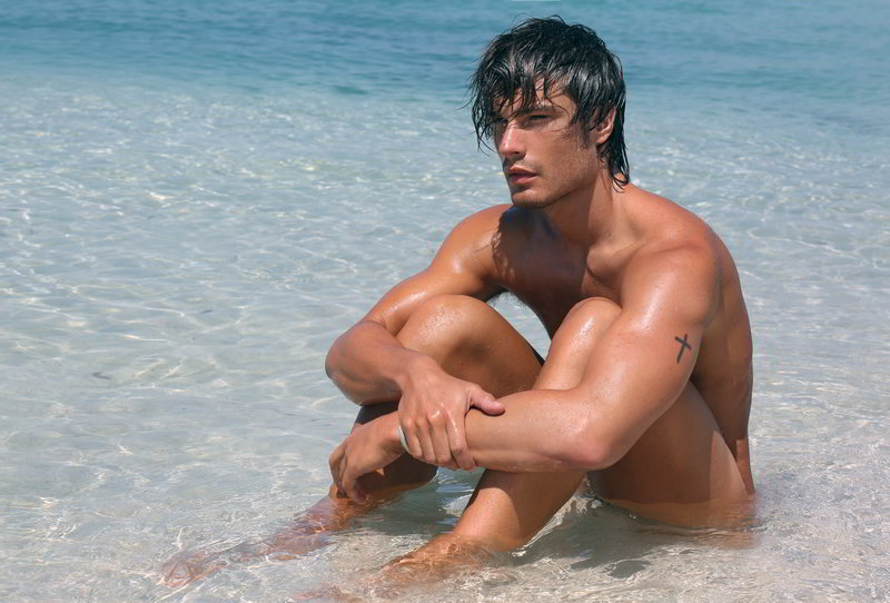 matteo capicchioni by Juan martin 011 Matteo Capicchioni hits the beach with Juan Martin