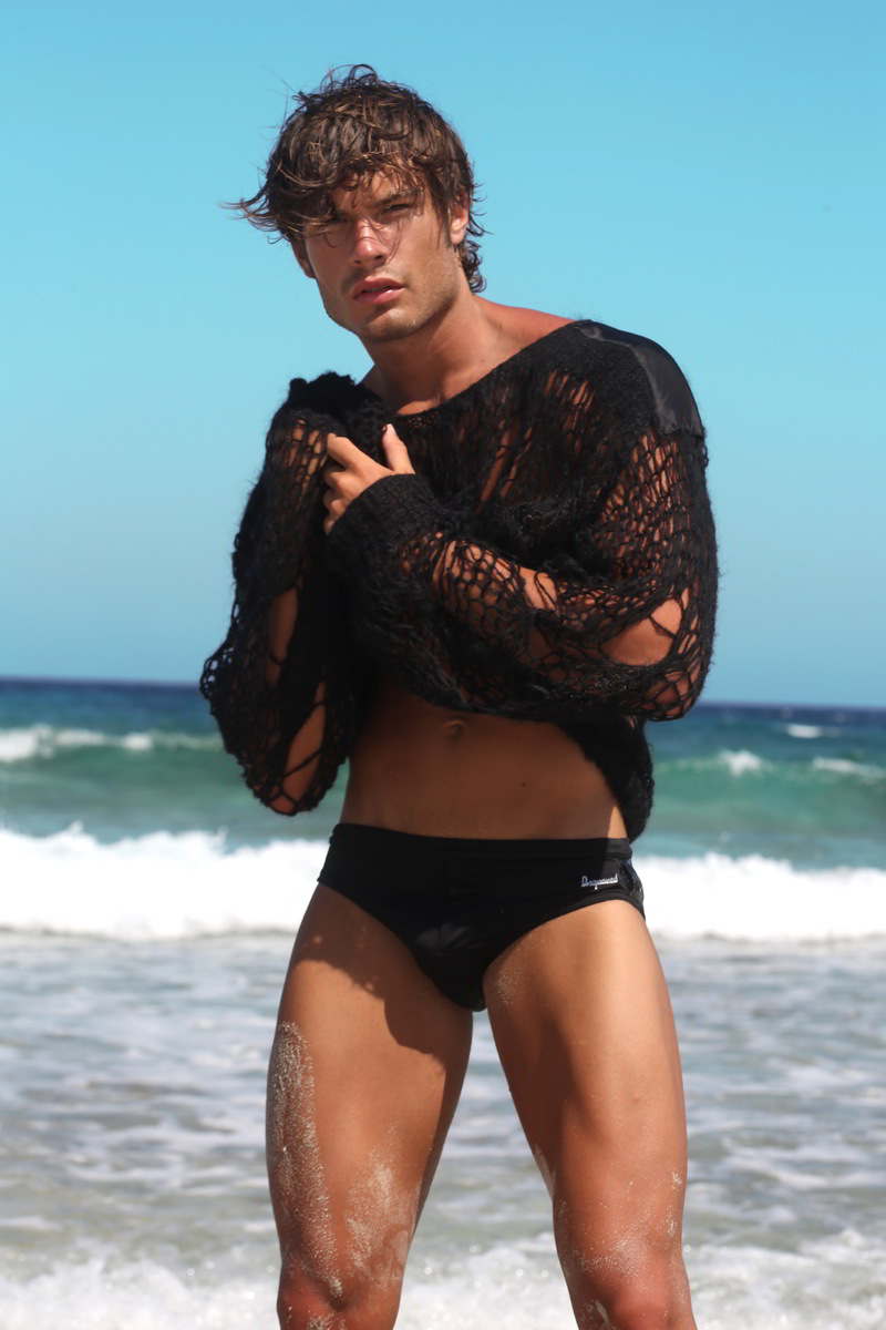 matteo capicchioni by Juan martin 012 Matteo Capicchioni hits the beach with Juan Martin