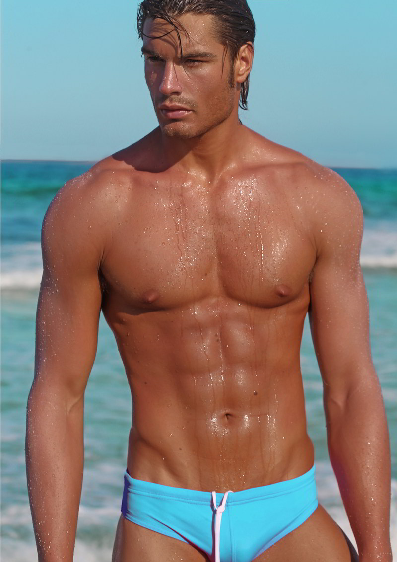 matteo capicchioni by Juan martin 015 Matteo Capicchioni hits the beach with Juan Martin